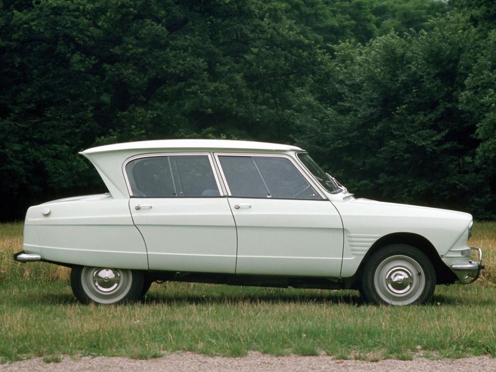 La Citroën Ami 6 de profil