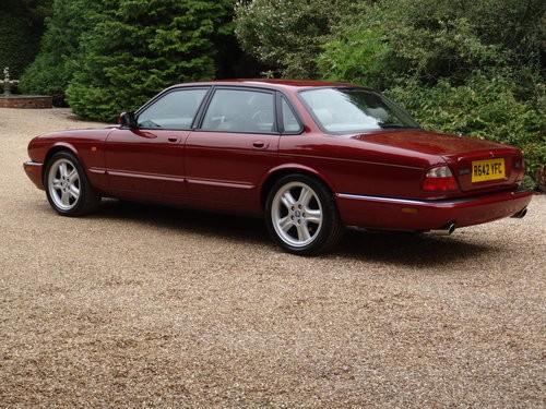 Jaguar  XJR