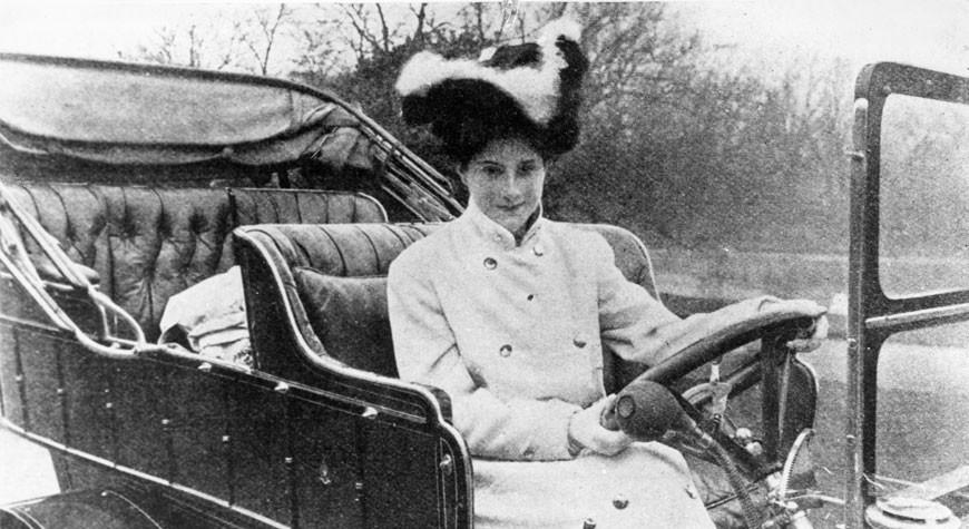 Dorothy Levitt au volant