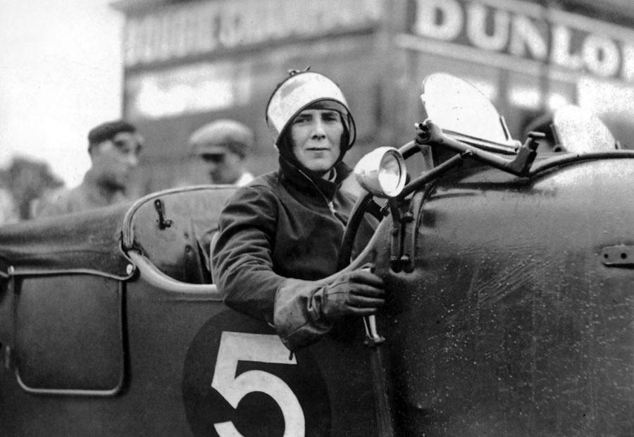 📬 Courrier des lecteurs – Les Femmes dans l'Automobile #8 – Mildred Bruce