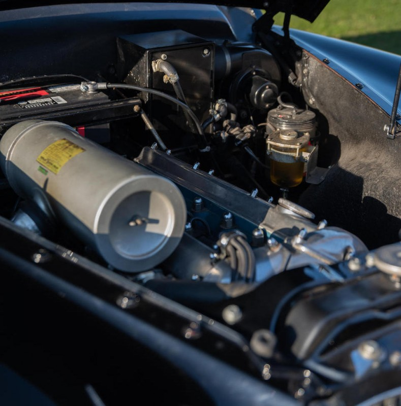 Jaguar  Mark VIII  -  3.8