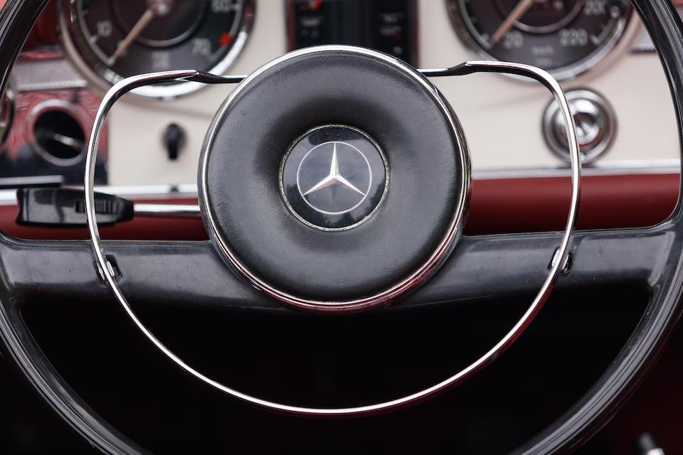 Mercedes-Benz 230 -  SL
