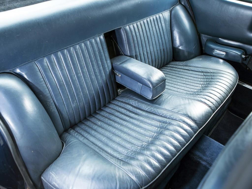 Aston Martin Lagonda V8