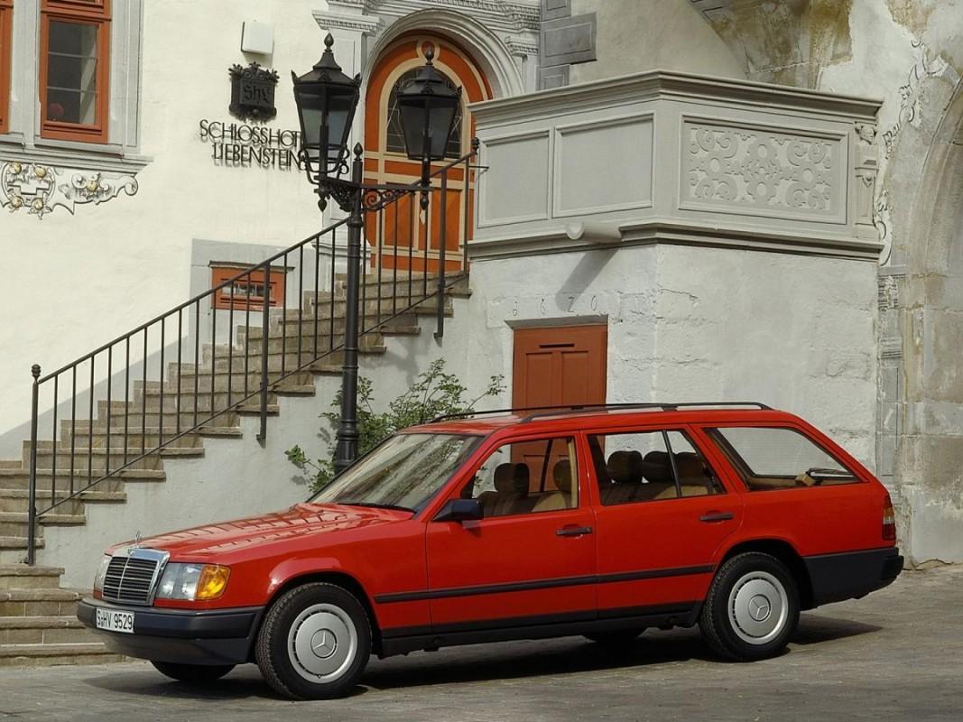 Mercedes-Benz W124 -  T-mod. (S124) 300 TE 4-matic  (180 Hp)