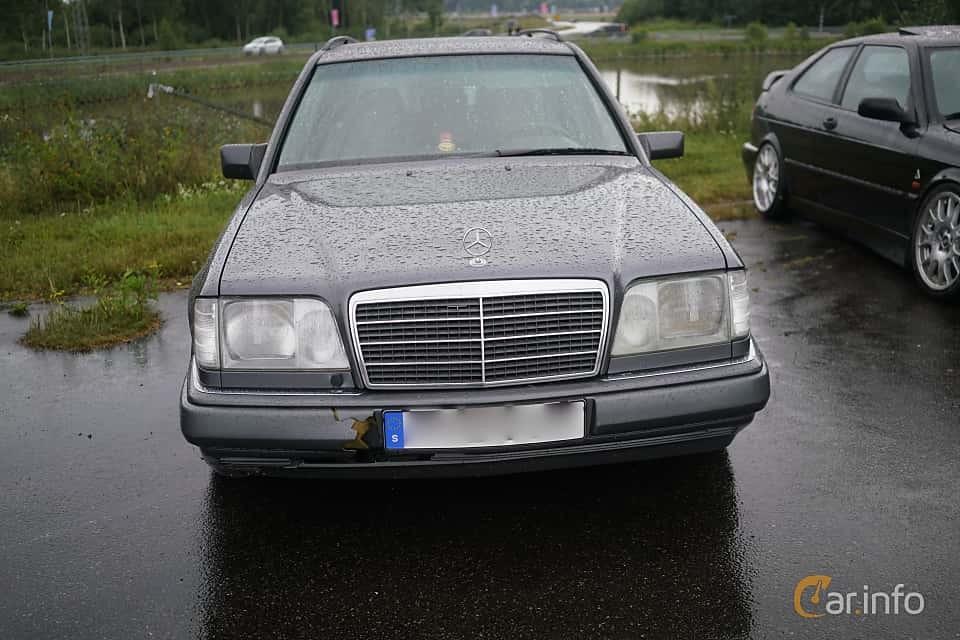 Mercedes-Benz W124 -  E-Class E 300 D  (136 Hp)