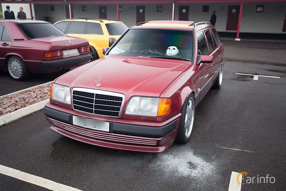 Mercedes-Benz W124 -  E-Class E 300 Turbo-D 4-matic