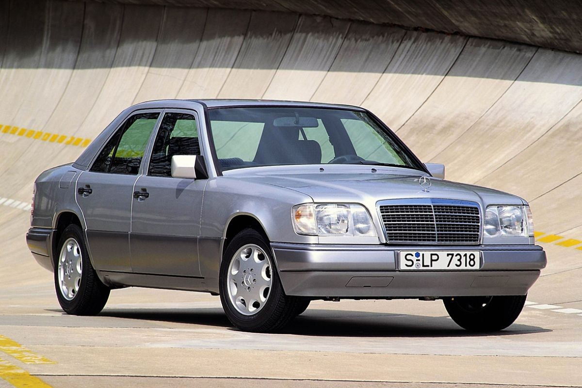 Mercedes-Benz W124 -  E-Class E 250 Turbo-D  (126 Hp)