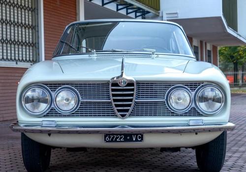 Alfa Romeo 2000 (102) -  Sprint Coupe