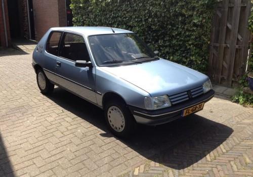 Peugeot 205 -  1.6 Aut.