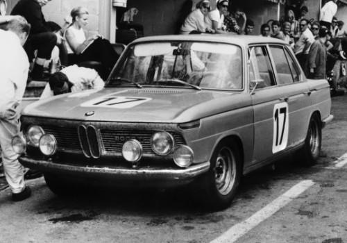 BMW 2000 Ti (E118)