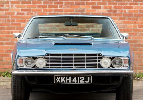 Aston Martin DBS -  V8