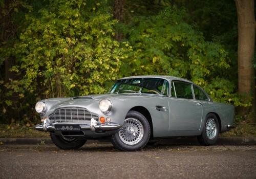 Aston Martin DB4 -  Series V