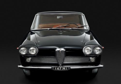 "Alfa Romeo 2000 (102) -  Sprint ""Praho"""