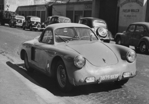 Renault 4 CV -  Coupe by Vernet & Pairard