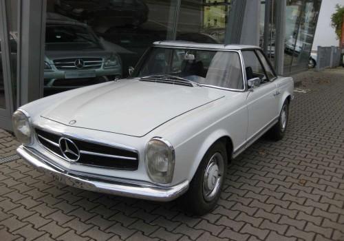 Mercedes-Benz W113 Pagode -  230 SL
