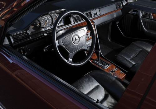 Mercedes-Benz W124 -  E-Class 500E  (326 Hp)