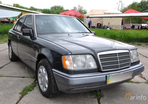 Mercedes-Benz W124 -  E-Class E 220  (150 Hp)