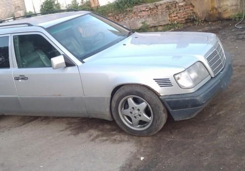 Mercedes-Benz W124 -  E Class T-mod. (S124) E 200 T  (136 Hp)