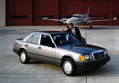 Mercedes-Benz W124 -  300 E