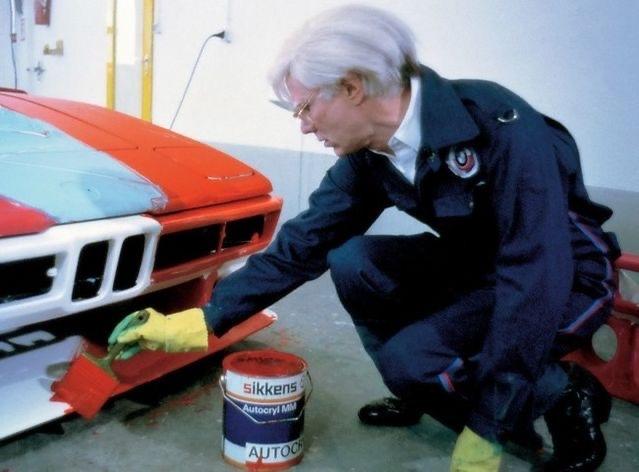 Warhol peignant