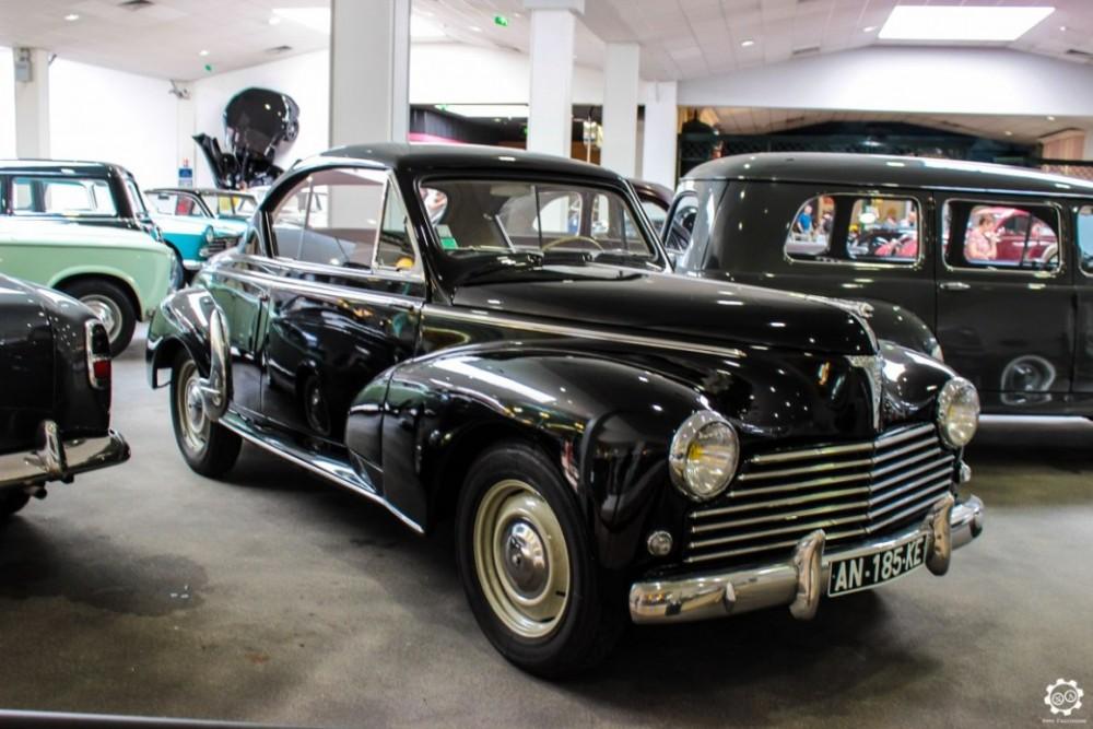 Peugeot 203 Coupé au Musée de l'Aventure Peugeot